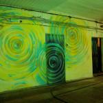 абстрактная роспись стен в стиле граффити. Лофт оформление